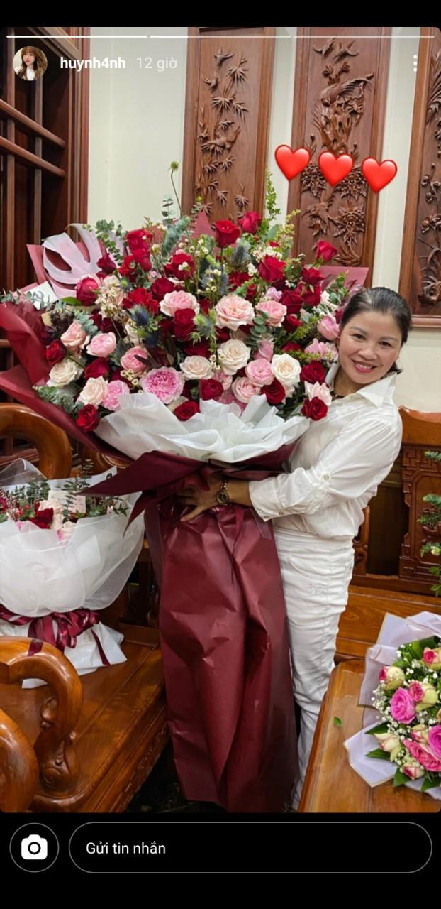 """Bạn gái cầu thủ Quang Hải tặng món quà """"khủng"""" đúng ý mẹ chồng tương lai nhân ngày sinh nhật, dân mạng khen nức nở vì còn trẻ mà rất tâm lý - Ảnh 2"""
