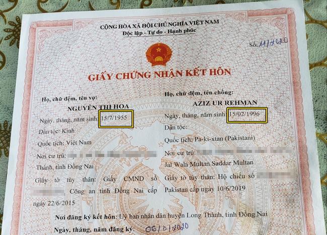 Giấy chứng nhận kết hôn được bà Nguyễn Thị Hoa đăng tải nhiều lần trên trang cá nhân nhằm khẳng định tình yêu của mình cùng chồng trẻ. Ảnh: FBNV.