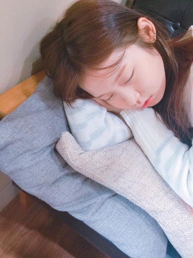 Con gái không muốn nhanh già cần thay đổi ngay 3 thói quen xấu trước khi ngủ - Ảnh 1