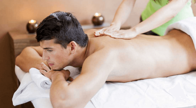 'Gái hư trên giường' tiết lộ cách massage cho chàng trong phòng ngủ, ông chồng nào khó tính mấy cũng phải 'đầu hàng' - Ảnh 2
