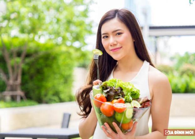 Mẹ bầu nên ăn uống bổ sung gì trong 3 tháng đầu? - Ảnh 1