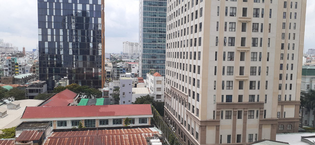 Những nghịch lý trên thị trường bất động sản năm 2020 - Ảnh 1