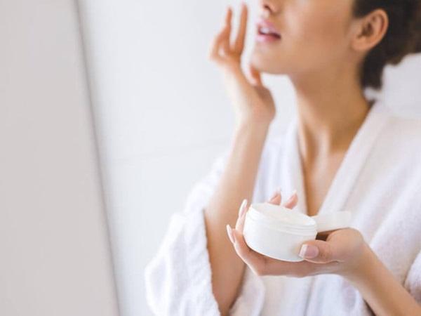 Thời tiết hanh khô có thể gây ra tình trạng da bong tróc, dễ bị kích ứng: Bạn tuyệt đối không nên chủ quan với những điều này! - Ảnh 3