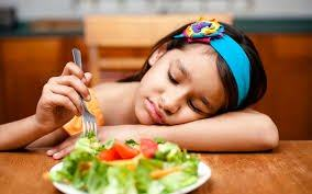 3 thói quen cực xấu trong ăn uống mà bố mẹ cần sửa cho con càng sớm càng tốt - Ảnh 3