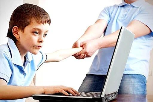 4 hành vi của con bố mẹ tưởng bình thường nhưng là cảnh báo vấn đề tâm lý nghiêm trọng - Ảnh 3