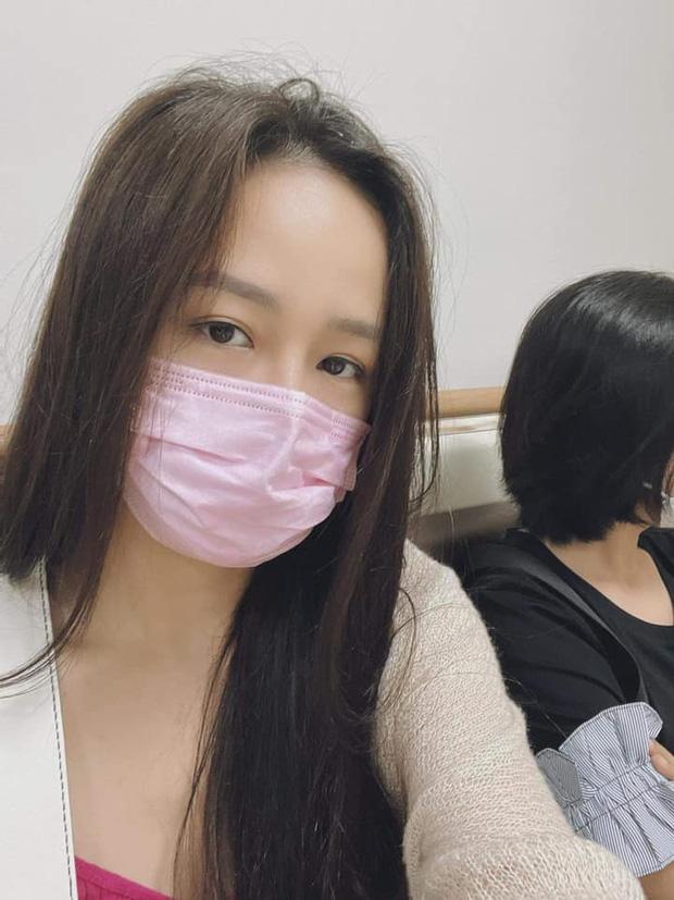 Noo khoe phần 2 màn 'thả thính' nấu cháo với Mai Phương Thúy, netizen 'soi' ra bóng hình người phụ nữ lạ trong gương - Ảnh 3