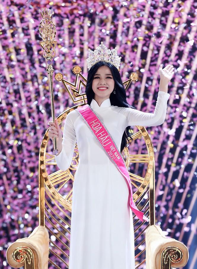 Đỗ Thị Hà phá 'lời nguyền nhan sắc' lúc đăng quang của Hoa hậu Việt - Ảnh 3