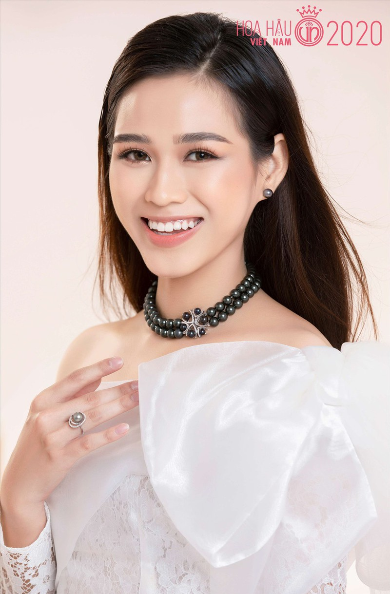 Đỗ Thị Hà phá 'lời nguyền nhan sắc' lúc đăng quang của Hoa hậu Việt - Ảnh 9
