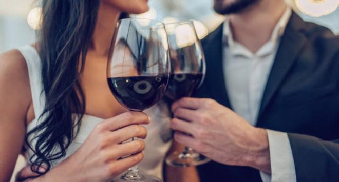 Bia rượu - 'thần dược' hay 'sát thủ' với tình dục? 4 câu trả lời giúp bạn nhìn rõ sự thật - Ảnh 1
