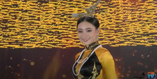 Đi tìm dụng ý nghệ thuật của Hoa hậu Việt Nam khi cho Đặng Thu Thảo và loạt người đẹp... đội chim lên đầu! - Ảnh 3