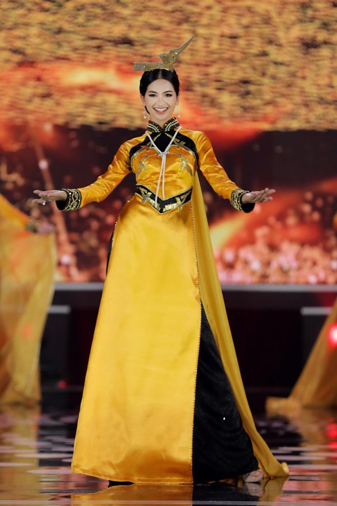 Đi tìm dụng ý nghệ thuật của Hoa hậu Việt Nam khi cho Đặng Thu Thảo và loạt người đẹp... đội chim lên đầu! - Ảnh 5