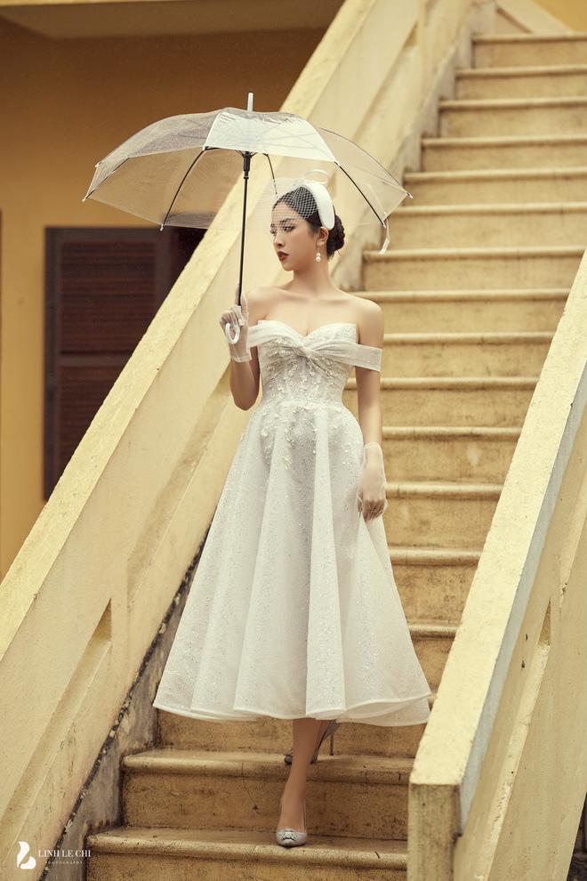 Á hậu Thuý An tung ảnh cưới lung linh trước thềm hôn lễ: Nhan sắc cô dâu 'đỉnh của chóp', e ấp bên chú rể hơn 12 tuổi! - Ảnh 3
