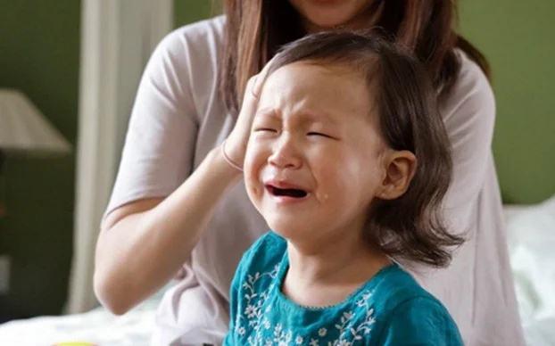 10 kiểu cha mẹ làm khổ con cái mà không nhận ra - Ảnh 1