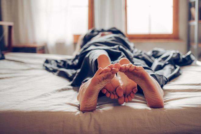 Tình dục giúp bạn sống lâu hơn như thế nào? 12 lợi ích tuyệt vời của tình dục với sức khỏe - Ảnh 2