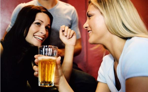Tại sao phụ nữ nên uống 1 cốc bia mỗi ngày? - Ảnh 2