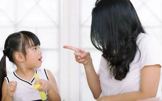 4 sai lầm của cha mẹ khiến con tự ti, nhút nhát khi trưởng thành - Ảnh 1