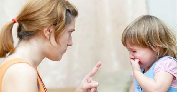 4 sai lầm của cha mẹ khiến con tự ti, nhút nhát khi trưởng thành - Ảnh 2