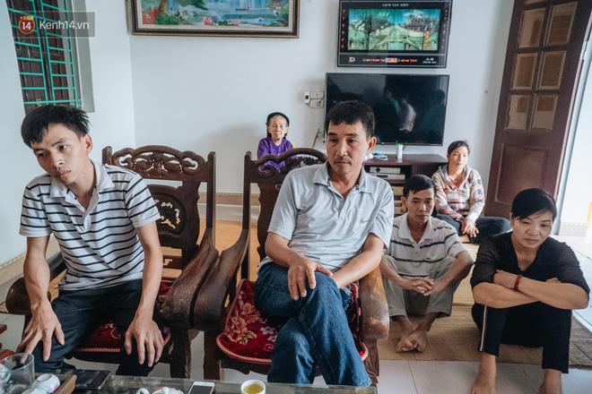 Hà Nội: Gia đình đau xót lên tiếng vụ bé trai 15 tháng tuổi sùi bọt mép trên tay mẹ rồi tử vong sau mũi tiêm - Ảnh 2