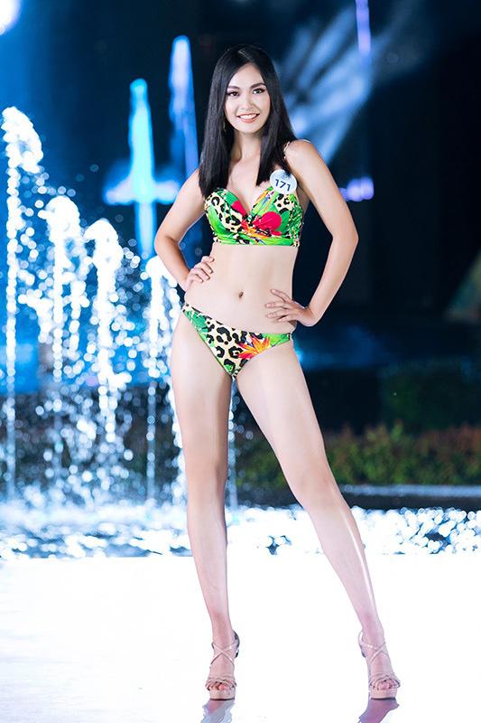 Lộ diện ứng viên Hoa hậu Việt Nam 2020 chuẩn 'nhà người ta': Nét cực Tây, học lực khủng còn có thành tích ở Miss World - Ảnh 4