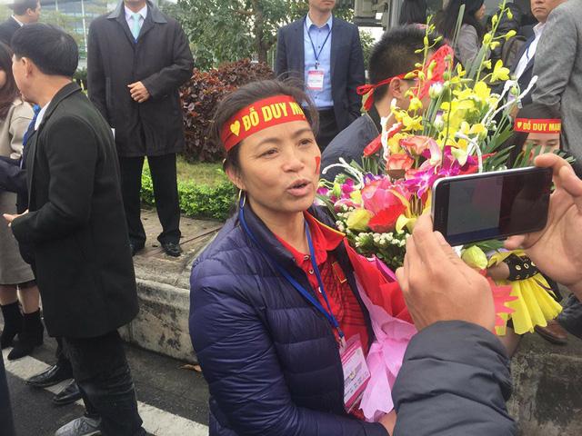Tình yêu của cầu thủ U23 Việt Nam dành cho cha mẹ khiến cộng đồng mạng xúc động - Ảnh 7