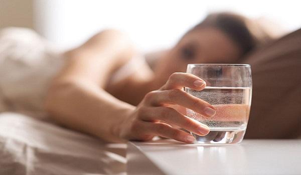 'Cấm' uống nước vào thời điểm này nếu không muốn hối hận cả đời - Ảnh 1