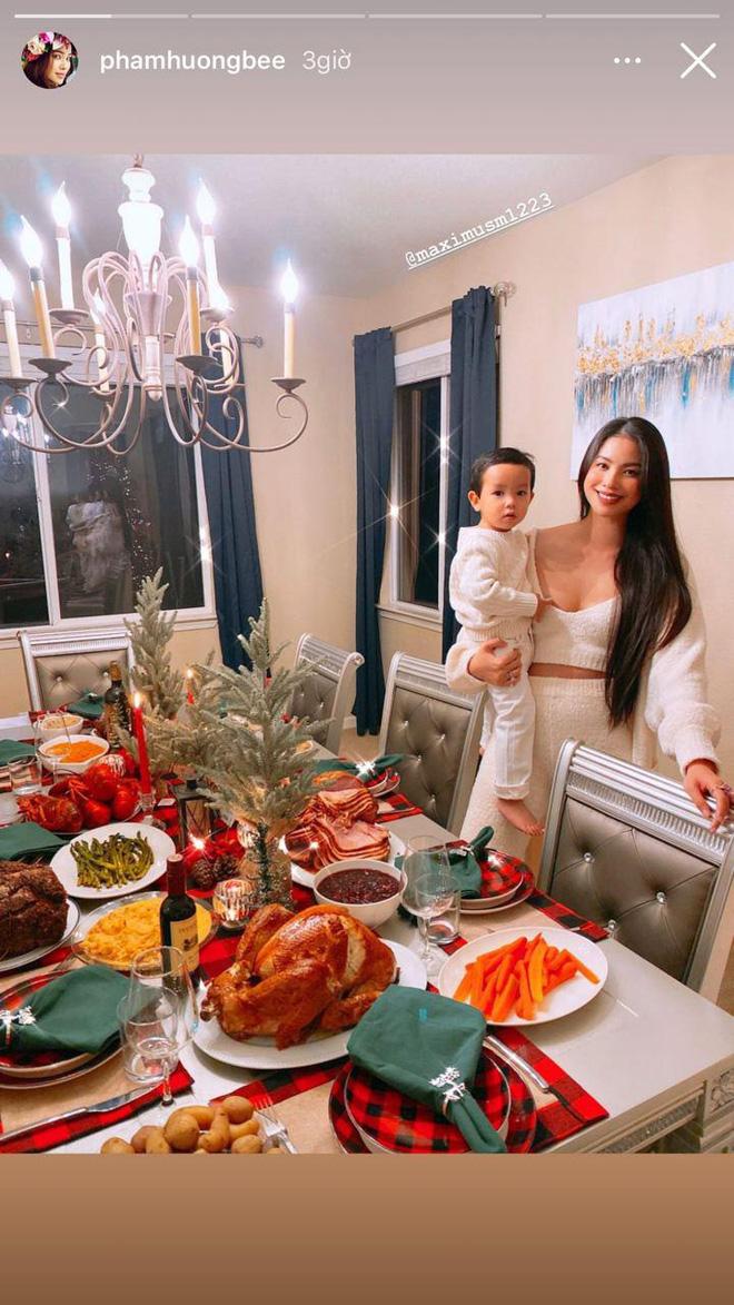 Choáng với bàn tiệc mừng lễ Tạ Ơn của Phạm Hương trong biệt thự ở Mỹ: Nhìn đồ ăn và bày trí thịnh soạn chẳng khác gì nhà hàng! - Ảnh 3