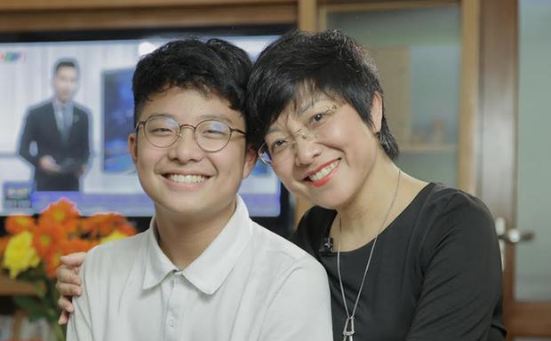 MC Thảo Vân mừng rớt nước mắt khi thấy con trai mua giày giảm giá, nói dối mẹ để từ chối mua mũ 600 nghìn - Ảnh 2