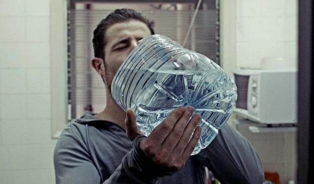 Suýt mất mạng vì uống quá nhiều nước để 'chữa' COVID-19: Bao nhiêu là quá nhiều? - Ảnh 3