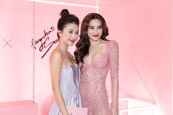 Hà Hồ diện váy táo bạo khoe vòng một, nhẹ nhàng hôn phớt Kim Lý tại sự kiện - Ảnh 16