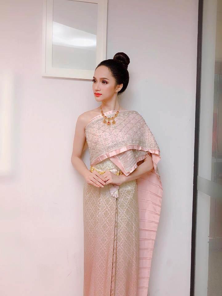 Hương Giang Idol khiến siêu mẫu hàng đầu Thái Lan phải khen ngợi! - Ảnh 1