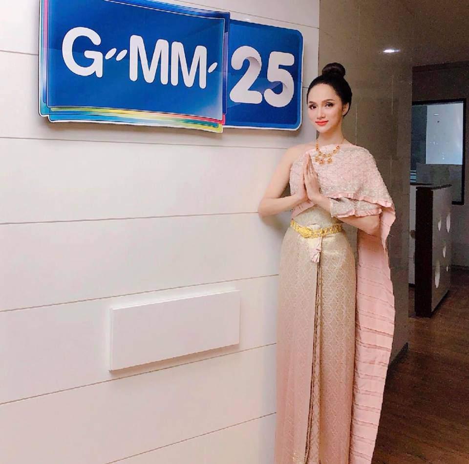 Hương Giang Idol khiến siêu mẫu hàng đầu Thái Lan phải khen ngợi! - Ảnh 3