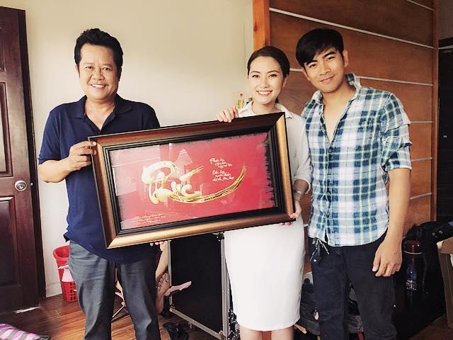 Ngọc Lan – Thanh Bình khoe quà tân gia bằng vàng của 'tía' Thanh Nam - Ảnh 2