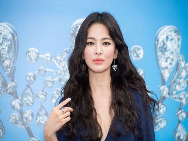 Bạn thân để lộ bí mật giúp Song Hye Kyo có thể đối mặt với mọi sự chỉ trích từ vụ ly hôn Song Joong Ki?