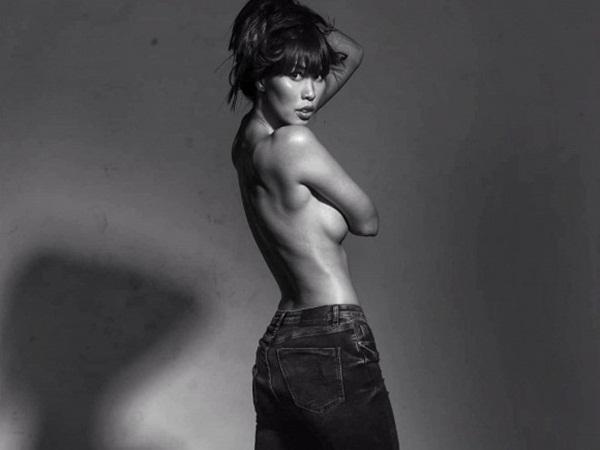 Bị chê vừa đen vừa hô, siêu mẫu Hà Anh tung ảnh bán nude dằn mặt anti-fan cực gắt