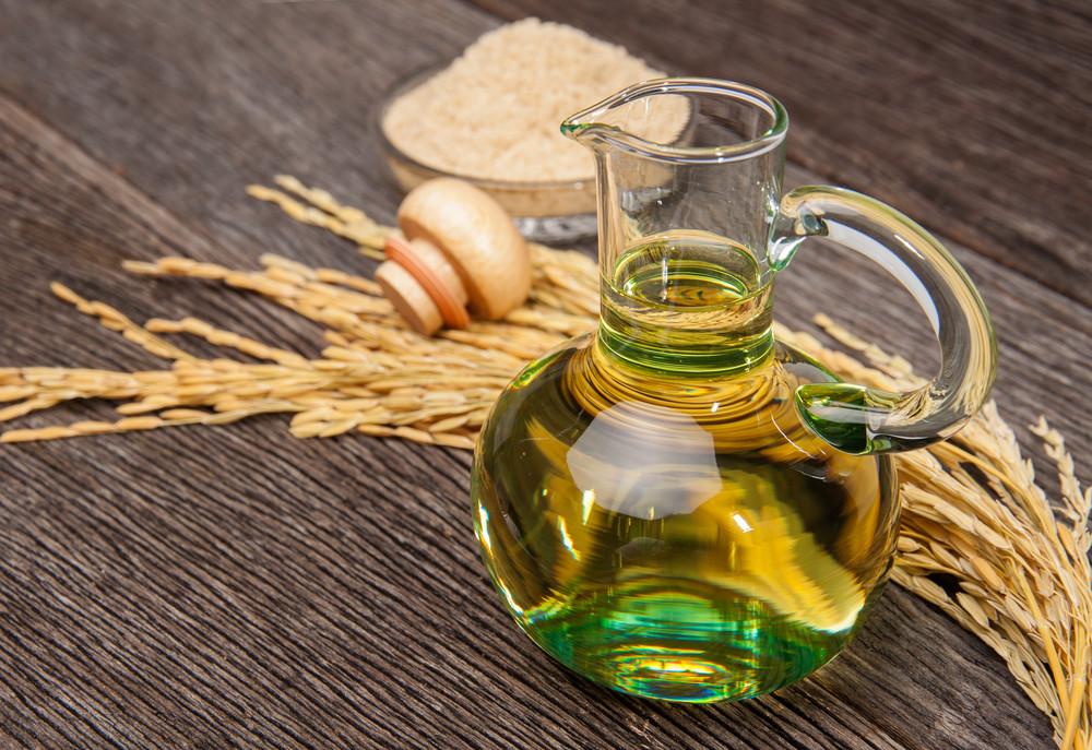 Biết được những tác dụng thần kỳ này, bạn sẽ mua ngay 1 chai dầu gạo để sẵn trong nhà - Ảnh 1