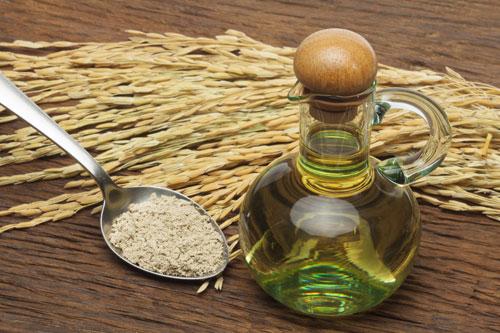 Biết được những tác dụng thần kỳ này, bạn sẽ mua ngay 1 chai dầu gạo để sẵn trong nhà - Ảnh 2