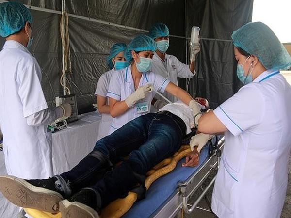 Cách cấp cứu người bị ngã từ trên cao xuống để nạn nhân khỏi liệt