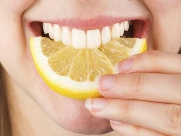 Cách làm trắng răng an toàn tại nhà