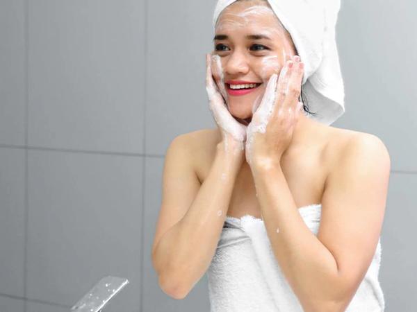 Cần chú ý gì sau khi áp dụng các phương pháp điều trị và chăm sóc da chuyên sâu?