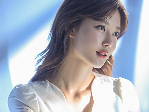 """Chỉ 2 bí quyết nhỏ cũng đủ giúp Kim Yoo Jung có được làn da căng bóng, """"sương sương"""""""