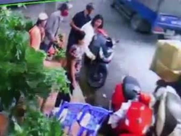 Clip: Đi xe SH trộm đồ, thản nhiên lên xe đi sau khi bị bắt tận tay