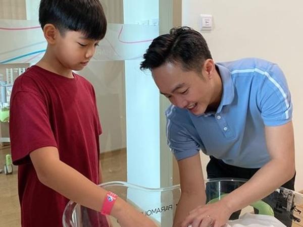 Đàm Thu Trang chính thức hạ sinh con gái đầu lòng, sao Việt nô nức chúc mừng