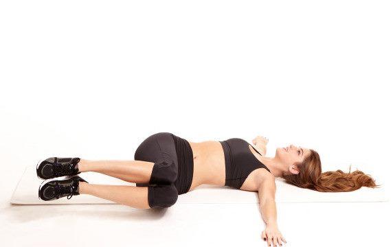 Dành vài phút mỗi ngày thực hiện bài tập này sẽ giảm đau lưng nhanh chóng, ai cũng có thể làm theo - Ảnh 2