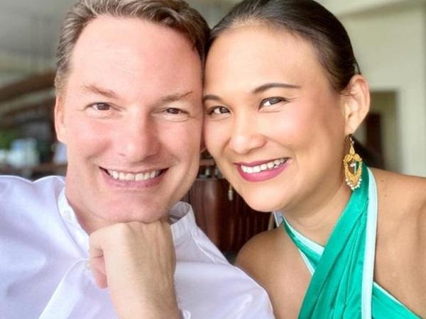 Nhân dịp đầu năm, vợ của chồng cũ Hồng Nhung gửi lời yêu thương đến 2 bé Tôm và Tép