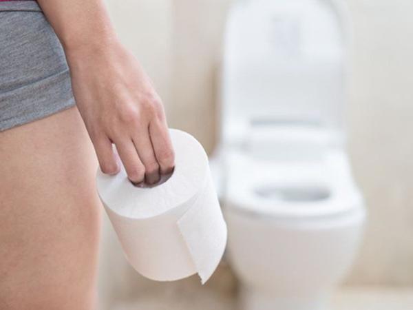 Giảm nguy cơ mắc bệnh trĩ, ung thư nhờ duy trì những thói quen có lợi này khi đi vệ sinh