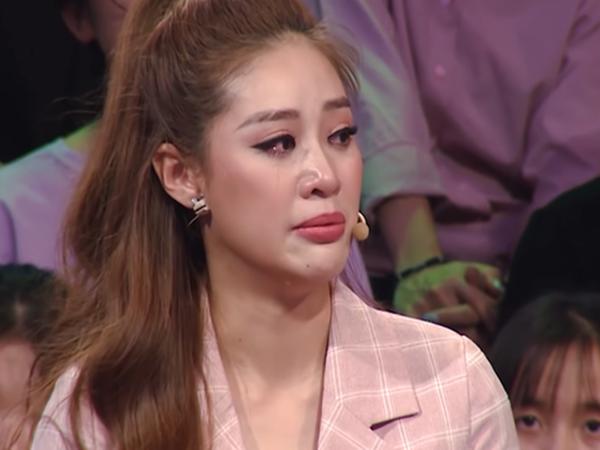 Hoa hậu Khánh Vân bật khóc: Ba tôi phải bươn chải, kiếm từng đồng một