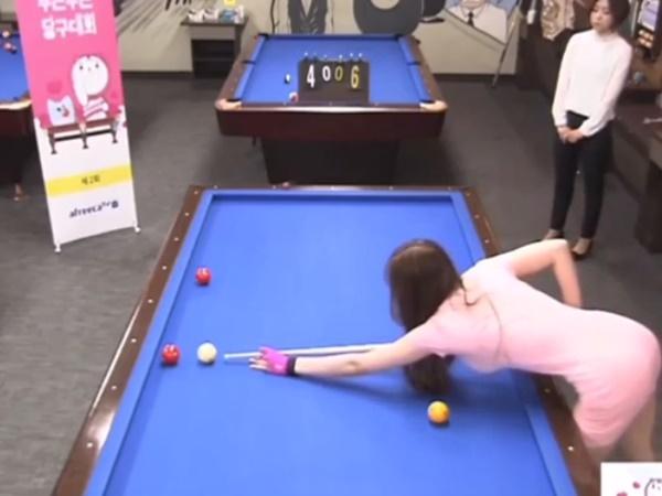 Hot girl bida diện váy bodycon tung cơ điệu nghệ, khoe đường cong hút mắt