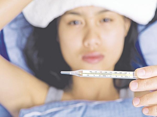 Không chỉ cảm cúm, sốt là biểu hiện của 8 vấn đề sức khỏe nguy hiểm