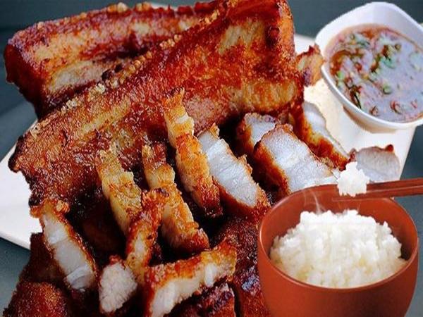 Không phải dưa muối, đây mới là những món ăn tăng nguy cơ ung thư trên mâm cơm người Việt