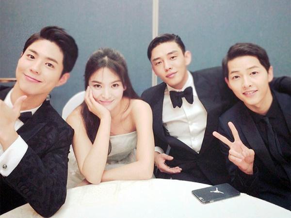 Kiss-scene Park Bo Gum - Song Hye Kyo bị chê thiếu 'chemistry', Song Joong Ki và Lee Kwang Soo lại được điểm mặt